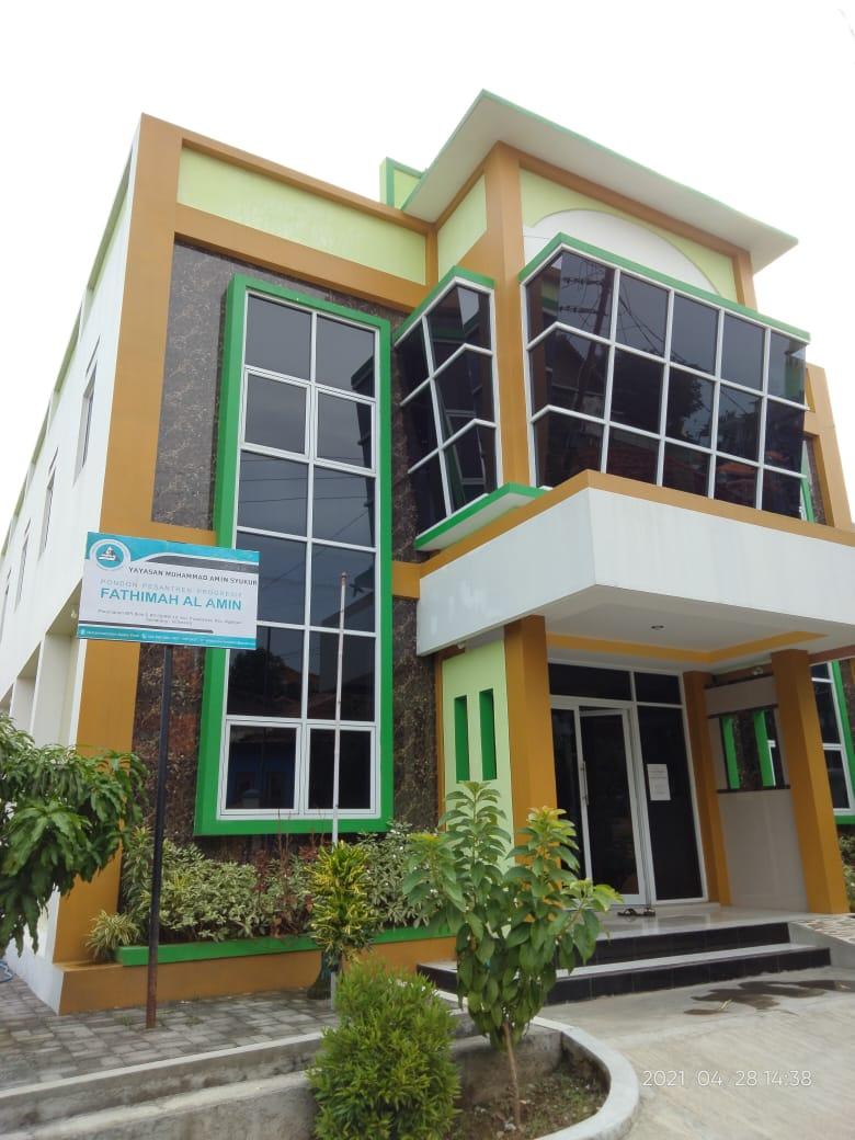 Gedung Pondok Pesantren